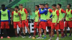 Indosport - Tim Persiba Balikpapan saat menjalani latihan.