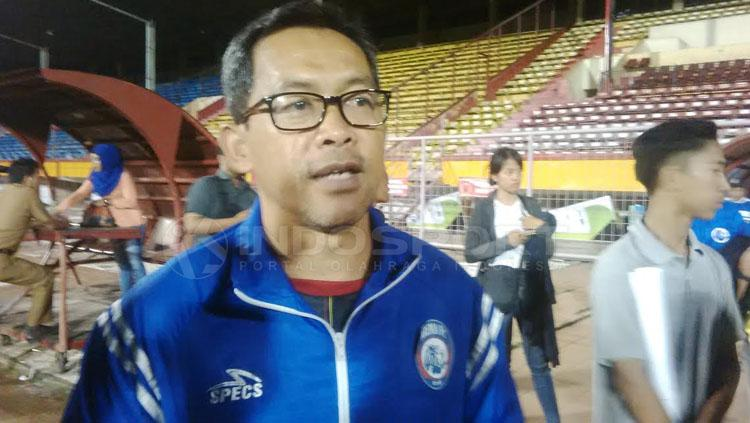 Pelatih Arema FC, Aji Santoso. Copyright: Muhammad Nur basri/INDOSPORT