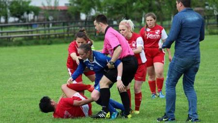 Kerusuhan Dalam Sepakbola Wanita. - INDOSPORT
