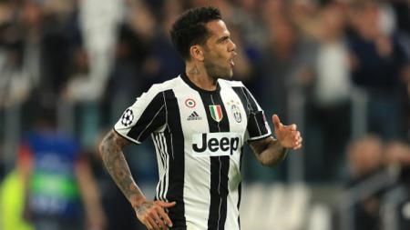 Bek andalan Juventus, Dani Alves. - INDOSPORT