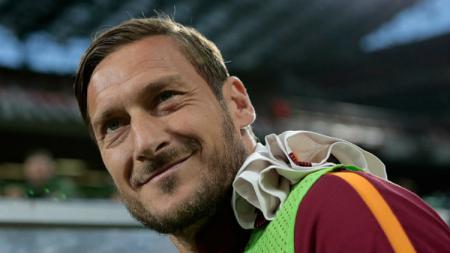 Francesco Totti berperan serta dalam kegiatan transfer AC Milan. - INDOSPORT