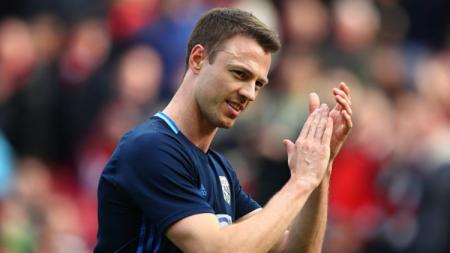Bek West Bromwich Albion, Jonny Evans. - INDOSPORT