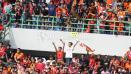 Indosport - The Jakmania tetap setia mendukung Persija Jakarta.