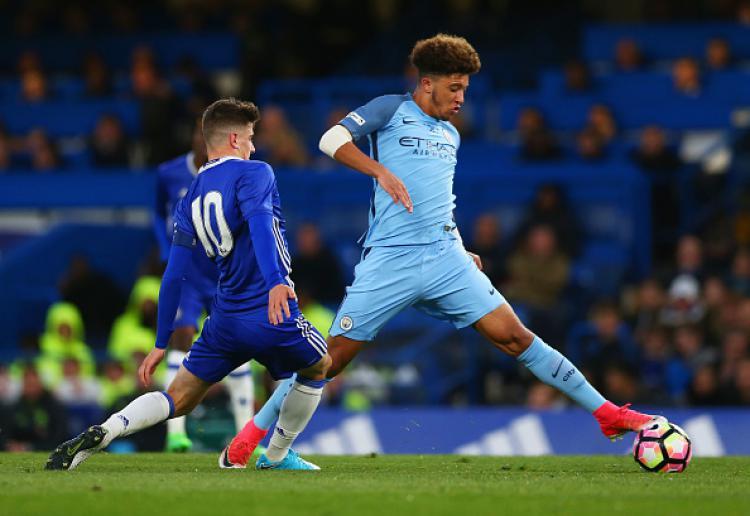 Jadon Sancho ketika melawan Chelsea di final FA Youth Cup. Copyright: Steve Bardens/Getty Images