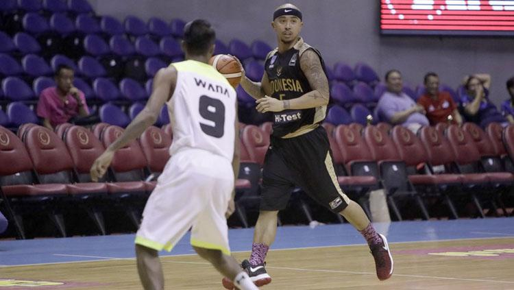 Mario Wuysang saat Indonesia menghadapi Myanmar di SEABA Championship 2017. Copyright: fiba.com