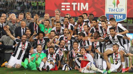 Juventus merayakan gelar Coppa Italia. - INDOSPORT