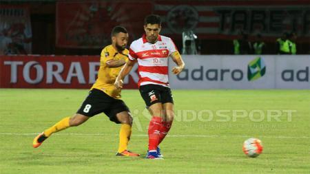 Dua pemain asal Brasi yang berkarier di Indonesia, Fabiano Beltrame dan Marcel Sacramento. - INDOSPORT
