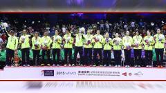 Indosport - Media China berujar ditundanya kompetisi Piala Thomas - Uber 2020 tahun ini oleh Federasi Bulutangkis Dunia (BWF) sangat menguntungkan bagi wakilnya, kok bisa?