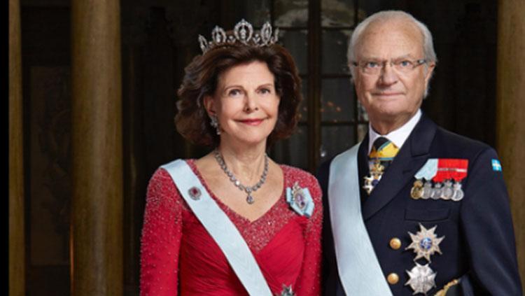 Ratu Silvia dan Raja Carl XVI Gustaf dari Swedia. Copyright: Twitter@jakartasweden