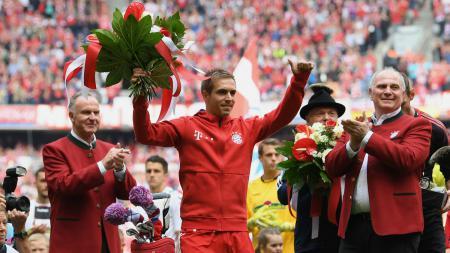 Philipp Lahm saat membawa Bayern Munchen juarai Bundesliga Jerman. - INDOSPORT