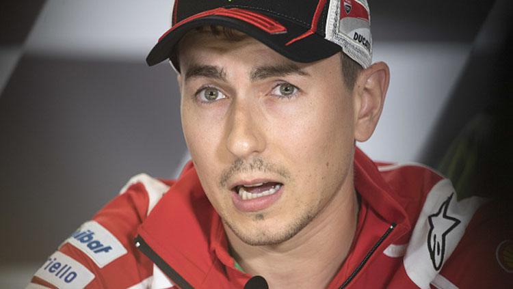Pembalap Ducati, Jorge Lorenzo dalam konferensi pers. Copyright: Mirco Lazzari gp/Getty Images