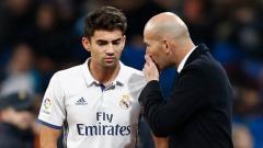 Indosport - Zinedine Zidane bersama dengan sang putra, Enzo Zidane.