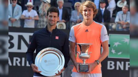 Novak Djokovic dan Alexander Zverev di final Italia Terbuka 2017. - INDOSPORT
