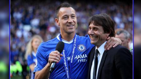 Antonio Conte menunjuk sosok John Terry sebagai salah satu kunci dibalik kesuksesannya di musim perdananya bersama Chelsea - INDOSPORT