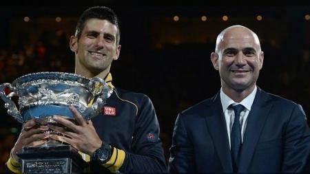 Novak Djokovic menunjuk Andre Agassi sebagai pelatih barunya. - INDOSPORT