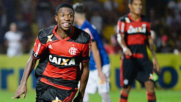 Selebrasi Vinicius Junior. Copyright: Levi Bianco/Brazil Photo Press/LatinContent/Getty Images