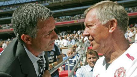 Jose Mourinho (kiri) dan Sir Alex Ferguson. - INDOSPORT