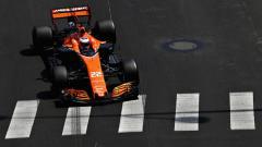 Indosport - Jenson Button membeberkan seperti apa hubungannya dengan sosok Lewis Hamilton. Mark Thompson/Getty Images.