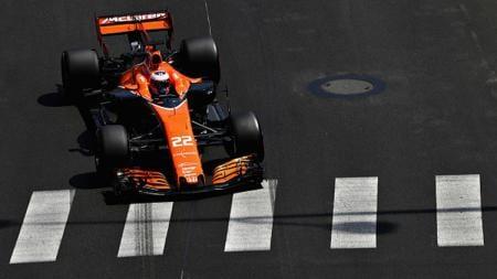 Pembalap McLaren, Jenson Button ketika beraksi di GP Monaco. - INDOSPORT