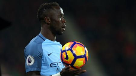 Bek Manchester City, Bacary Sagna memutuskan hengkang dari Etihad Stadium. - INDOSPORT