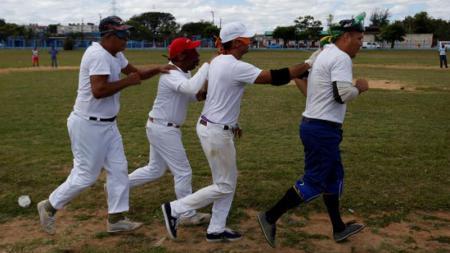 Baseball menjadi olahraga yang dilakukan oleh sejumlah orang buta di Kuba. - INDOSPORT