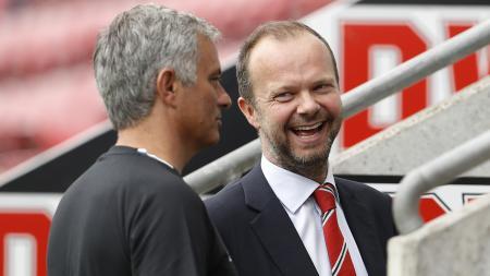 Jose Mourinho dan Ed Woodward. - INDOSPORT