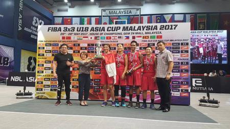 Tim Basket Putri Indonesia U-18 berhasil merebut gelar juara di Malaysia. - INDOSPORT