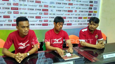 Pelatih Semen Padang, Nilmaizar mengaku tak masalah meski 2 pemain andalannya absen kala menjamu Persiba Balikpapan. - INDOSPORT