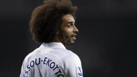 Benoit Assou-Ekotto ketika masih membela Tottenham Hotspur. - INDOSPORT