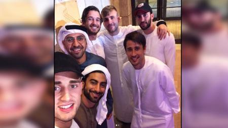 Luke Shaw, Adnan Januzaj, dan Bojan Krkic saat di Dubai. - INDOSPORT