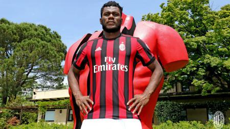 Franck Kessie disebut akan segera meninggalkan AC Milan. - INDOSPORT