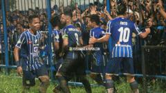 Indosport - Persiba Balikpapan ketika berhasil menang dramatis atas Borneo FC.
