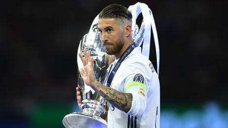 Sergio Ramos dikagumi dan menjadi kapten paling ikonik di klub LaLiga Spanyol, Real Madrid, sekaligus menjadi pemain yang paling dibenci. - INDOSPORT