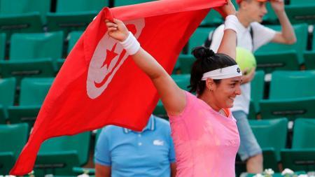 Petenis Tunisia, Ons Jabeur, mencatatkan prestasi baru bagi petenis wanita Arab pertama yang menembus 10 besar peringkat besar dunia. - INDOSPORT
