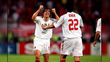 Hernan Crespo saat mencetak gol untuk Milan di Final Liga Champions 2005. - INDOSPORT