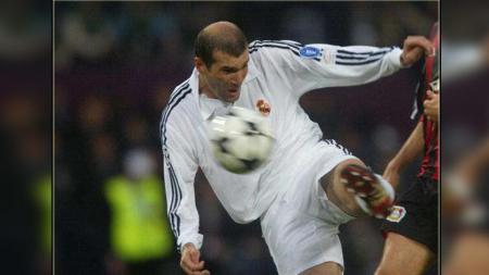 Nama besar Zinedine Zidane di jagat sepak bola membuat banyak pemain muda mendapat label sebagai penerusnya - INDOSPORT