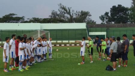 Sebanyak 18 pemain Persib Bandung bersiap untuk menghadapi Mitra Kukar. - INDOSPORT