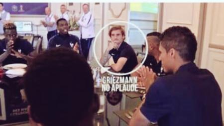 Antoine Griezmann tampak diam, tak ikut merayakan keberhasilan Varane menjuarai Liga Champions. - INDOSPORT