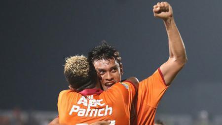 Selebrasi Lerby ELiandry usai menjadi pahlawan kemenangan Borneo FC. - INDOSPORT