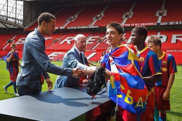 Hector Bellerin saat masih berada di La Masia. Copyright: Twitter Messi10stats