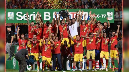 Benevento berhasil promosi ke Serie A Italia 2017/18. - INDOSPORT