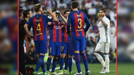 Berkah jadi Sergio Ramos ketika Barcelona menang dramatis atas Sevilla, Gerard Pique langsung bawa kabar buruk ini. - INDOSPORT