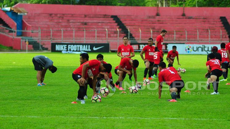 PSM Makassar sedang latihan. Copyright: