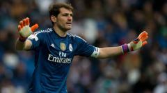 Indosport - Iker Casillas saat masih membela Real Madrid.