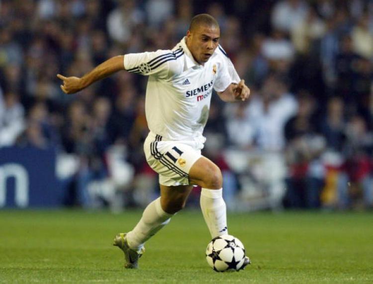 Ronaldo Nazario saat masih memperkuat Real Madrid. Copyright: Martin Rose