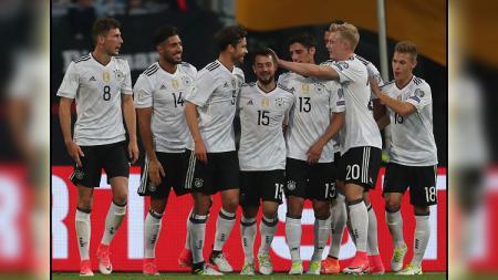 Pemain Jerman merayakan gol. - INDOSPORT