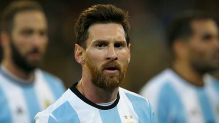 Lionel Messi saat memperkuat Timnas Argentina. - INDOSPORT
