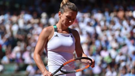 Simona Halep gagal meraih gelar juara di Prancis Terbuka 2017. - INDOSPORT