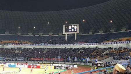 Stadion Gelora Bandung Lautan Api tampak sepi penonton. - INDOSPORT