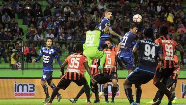 Perseru Serui tahan Arema FC tanpa gol di Malang. Copyright: wearemania.net